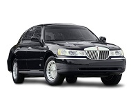 Rent Lincoln Town Car in Dubai Image