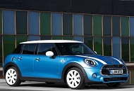 Rent a MINI Cooper in Dubai Image